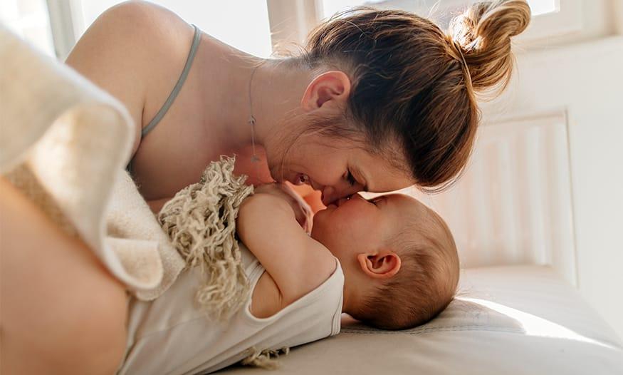 artículos más leídos 2019 Suavinex madre con bebé